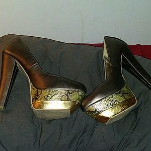 Size 9 xhilaration heels